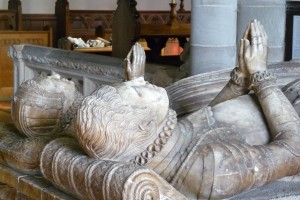 Elizabethan effigies at Tenbury church